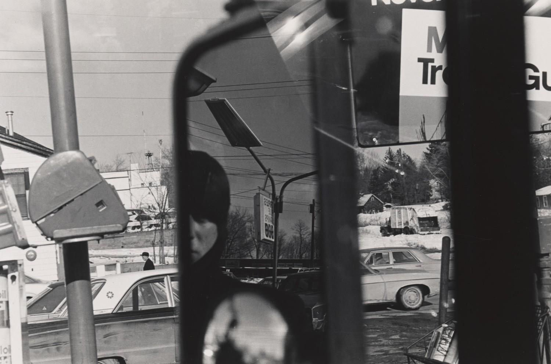 <p>copyright Lee Friedlander, Hillcrest, New York, 1970</p>